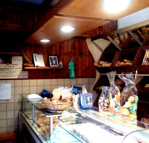 Foto dell'interno del panificio Pinan di Rossiglione
